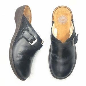 UGG Sheepskin Lined Clog Slip On Mule Leather